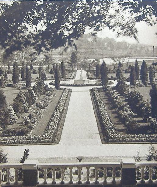 Dutch gardens VC 1925