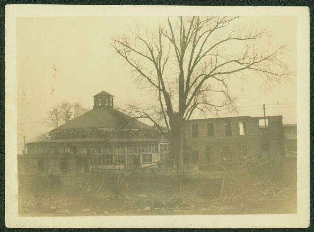 Former Pabst Van Cortlandt Park Hotel, partly burned, on the West Side of Broadway, 1924