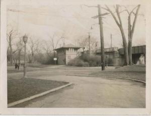 1951-CIRCA.kbr.phto.Van Cortlandt-train-bridge